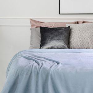 Přehoz na postel z mikrovlákna DecoKing Fluff světle modrý